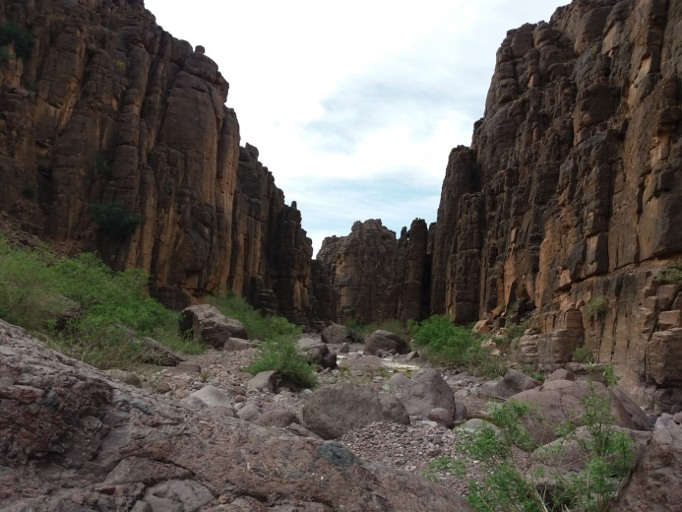 pitons de roches bab n ali du voyage au maroc