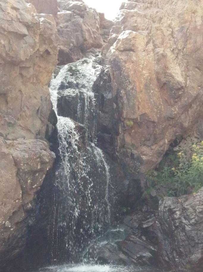 cascade de l'excursion imlil oukaimden du voyage au maroc