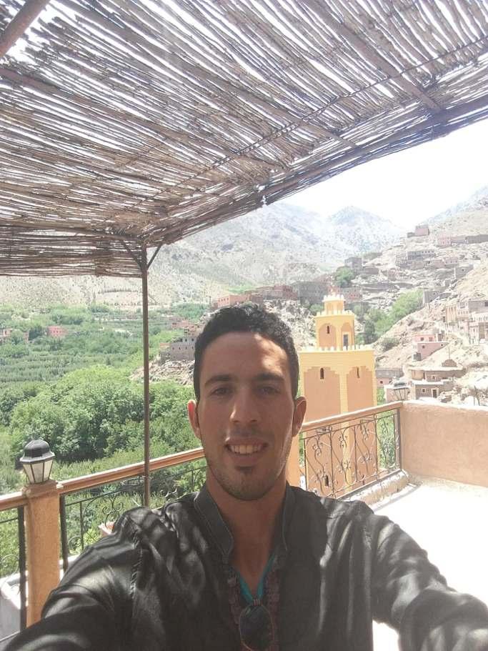 monsieur en excursion imlil oukaimden du voyage au maroc