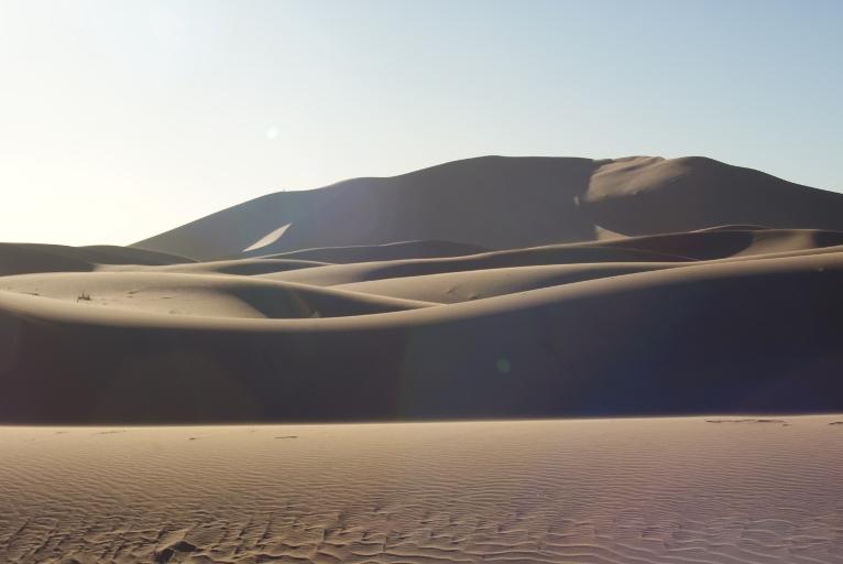 oasis tazarine dans le desert du merzouga du voyage au maroc