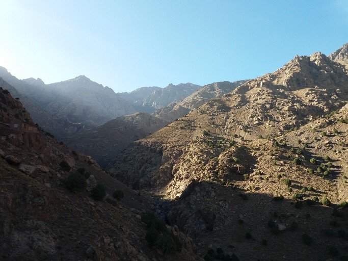 paysage vallee et village de toubkal du voyage au maroc
