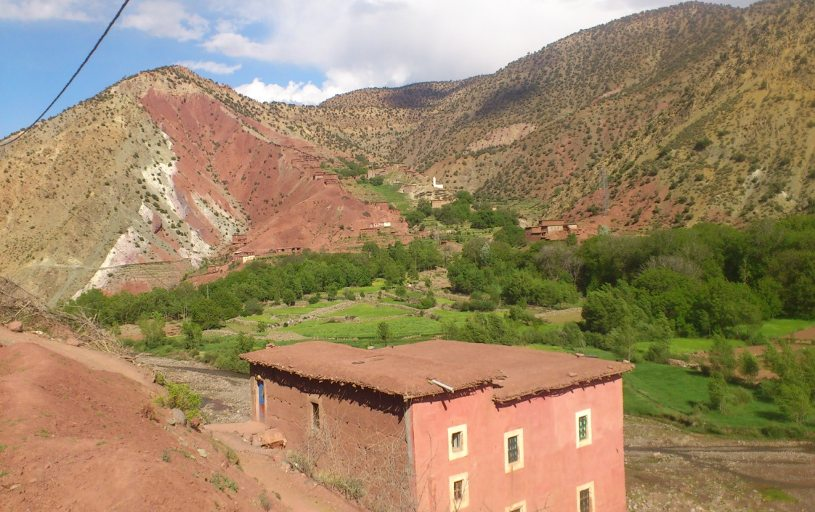 village dans la vallee heureuse du voyage au maroc
