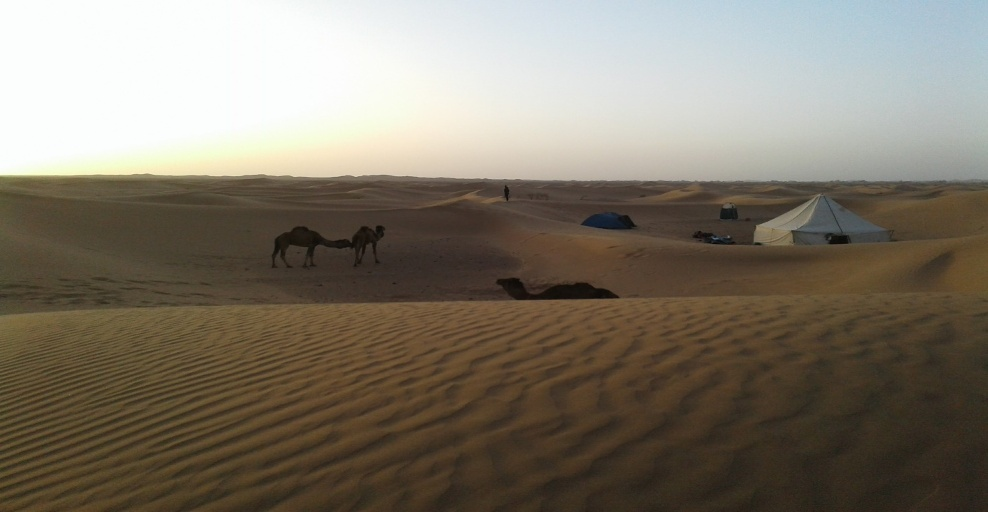 lac asseche diriki dans le desert du voyage au maroc