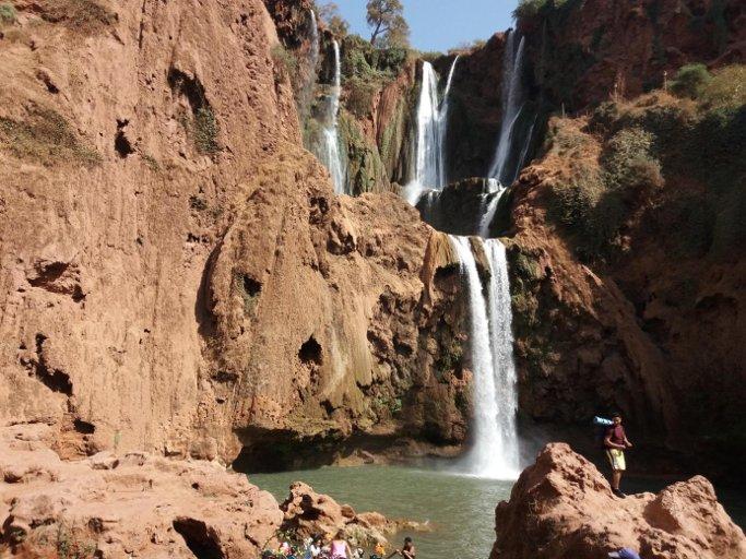 cascade de l'excursion pont naturel du voyage au maroc